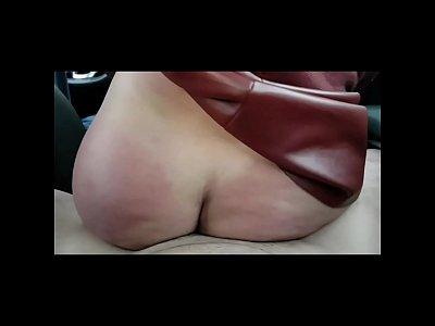 Mulher fazendo sexo no carro gemendo muito na pica