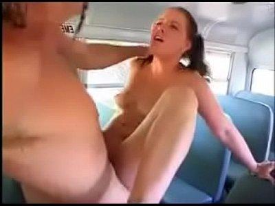 Novinhas bucetudas da roça dando o motorista do escolar