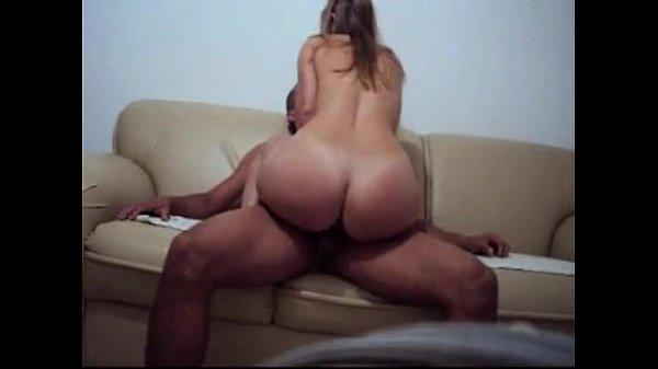 Video sexo novinha dando no sofa