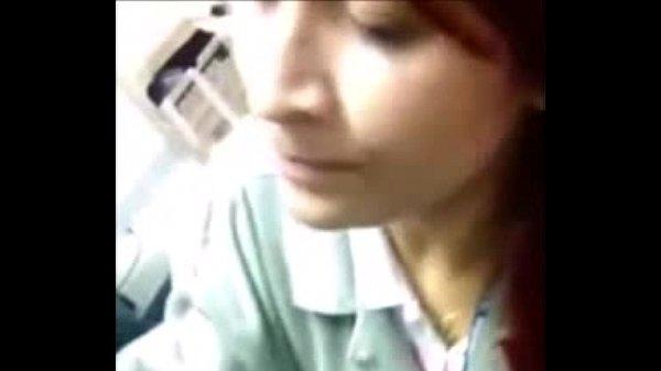 Secretaria ruiva novinha pagando boquete no trabalho