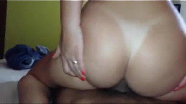Samba porno esposa sentando com o cu na vara do marido transando em casa