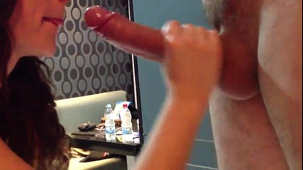 Videos pornos jovem putinha pagando boquete para seu cafetão