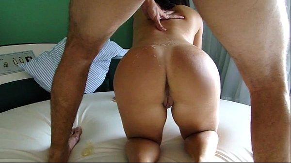 Rabuda na boa foda trepando na frente do marido corno
