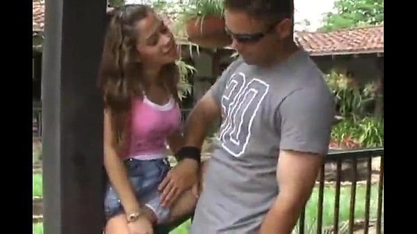 Teen sex fugiu de casa para fuder com marmanjo