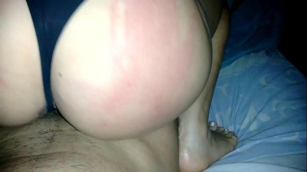 Latina safada sentando de calcinha no caralho do amigo