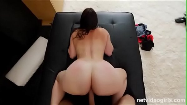 Xvideo novinha rabuda levando na buceta dando de quatro