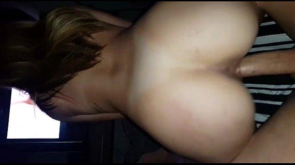 Defloração vaginal na amante novinha