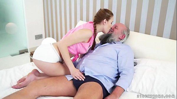 Vidio de incesto com sobrinha dando pro tio velho