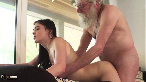 Vidios de sexo gratis com avô comendo neta novinha safada