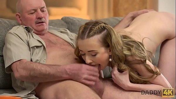 Vídeos pornográficos de incesto com tio comendo sobrinha