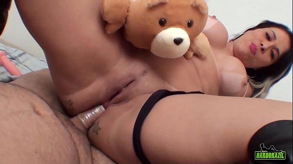 Hentai porno brasileiro com mulher cuzuda fazendo anal