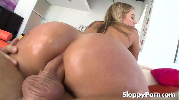 Porno online com loira cuzuda fudendo só no cu