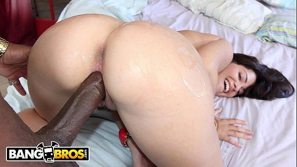 Porno real com novinha de rabo grande dando pra negão