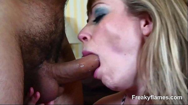 Xx porno anal com peituda gemendo e dando o cuzinho