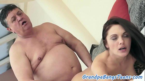 Pornô de incesto tio fodendo sobrinha fogosa