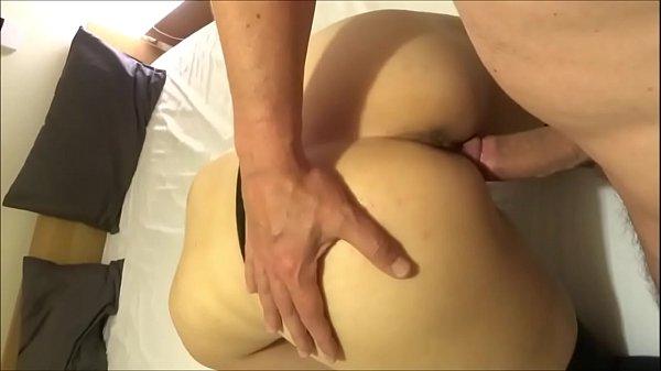 BH sexo esposa de quatro dando a buceta melada