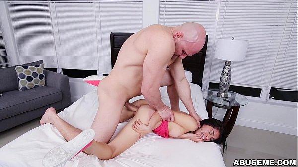Gostosas no sexo dotado comendo a irmã da namorada