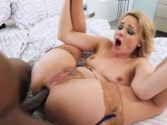 Fotos amadoras de uma loira vadia então fazendo um sexo bem picante com um negão