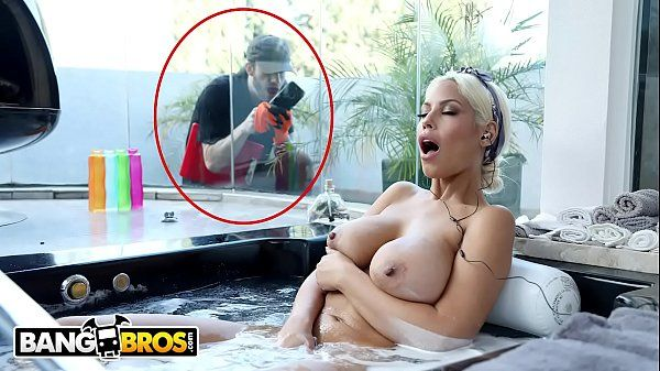 Loira peituda no porno fazendo sexo quente