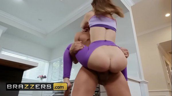 Porno hardcore novinha safada transando muito