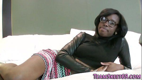 Sexo interracial com pretinha muito safada