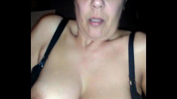 Brasileira putona toma no cu e se masturba